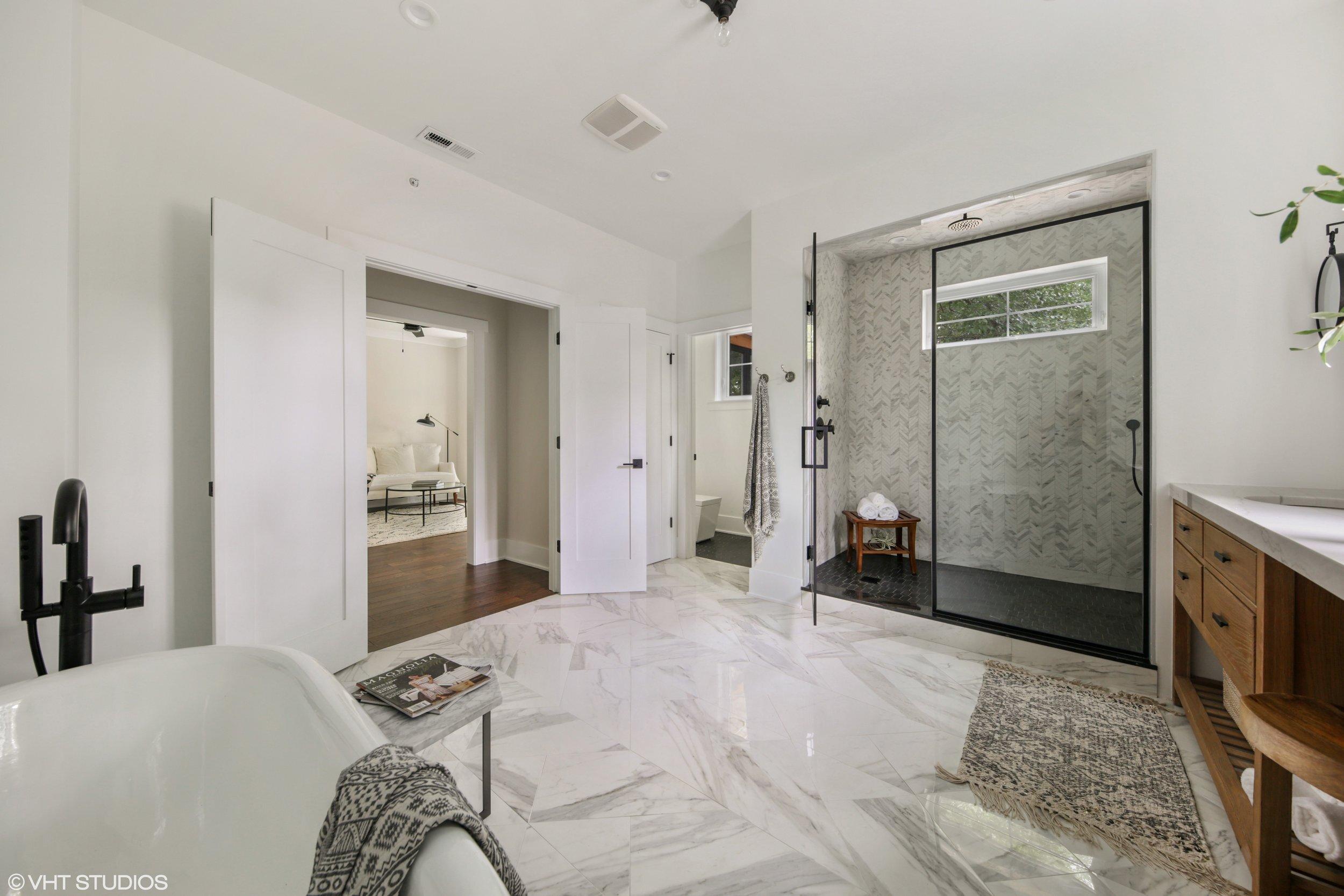 15 317lionel 13 Masterbathroom Hires