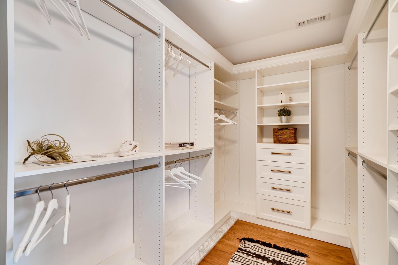 412+uvedale+rd+riverside+il Large 020 016 2nd+floor+master+bedroom 1500x998 72dpi